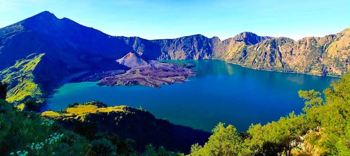 Image result for Danau Segara anak