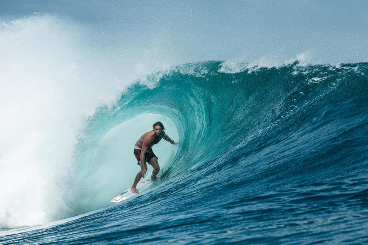 World S Top Surfers Compete To Conquer Challenging Waves At