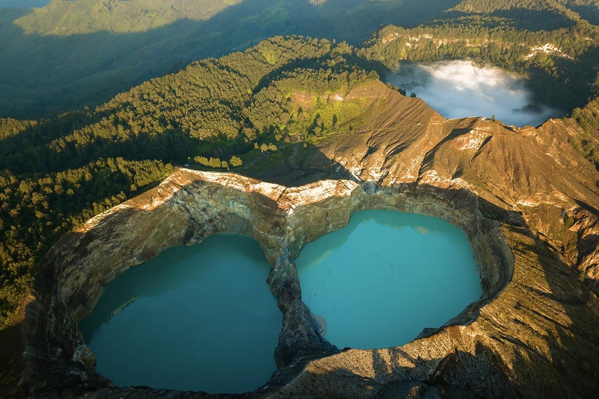 Keindahan danau tiga warna di Taman Nasional Kelimutu