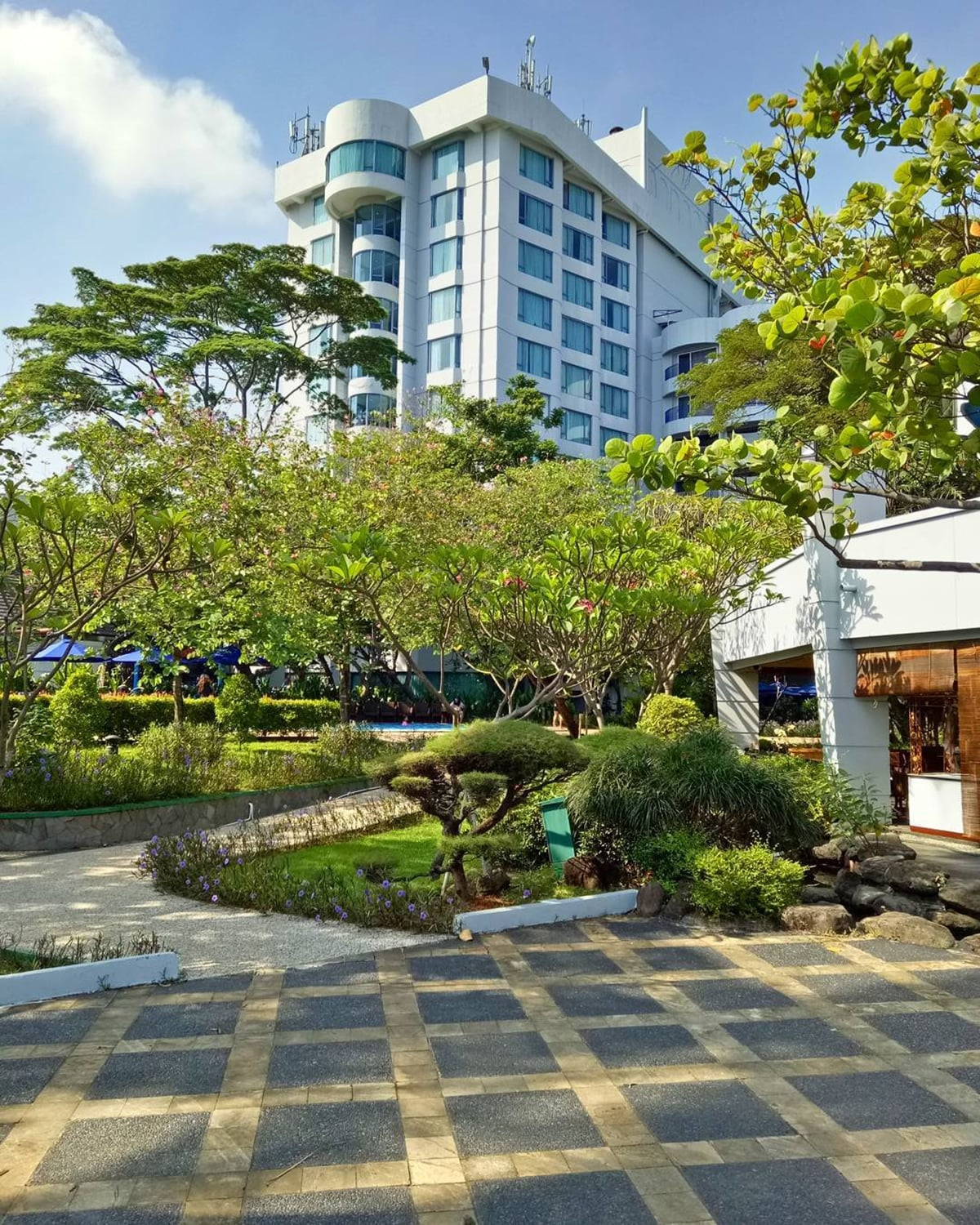 15 Things You Can Do Inside Ancol Dreamland Indonesia Travel